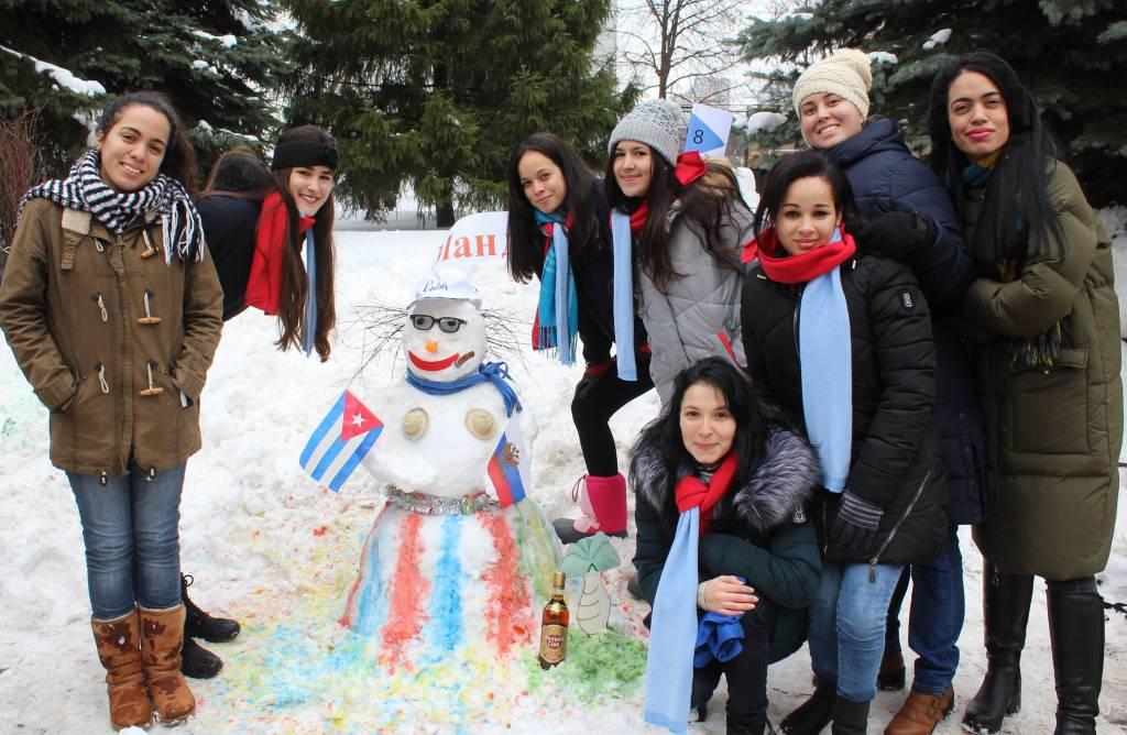 Конкурс снеговиков впервые провели в Институте имени А. С. Пушкина